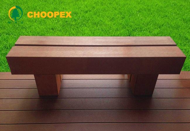 نیمکت چوبی ساده با طراحی متفاوت